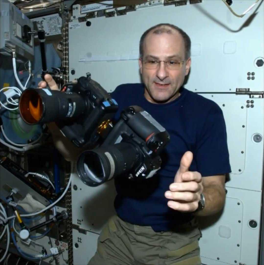 Дон Петтит снимал поверхность Земли  двумя камерами одновременно