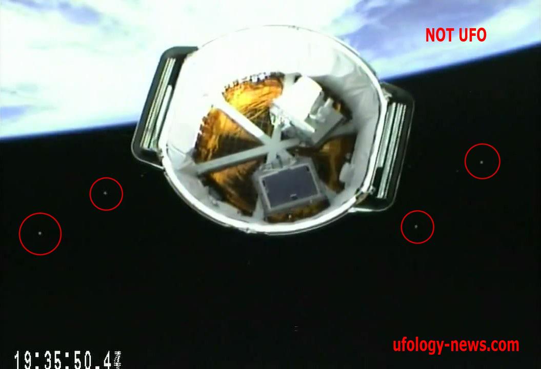 Не НЛО. Частицы ракетного топлива. Видеозапись отсоединения космического корабля Dragon SpaceX от ракеты-носителя Falcon 9