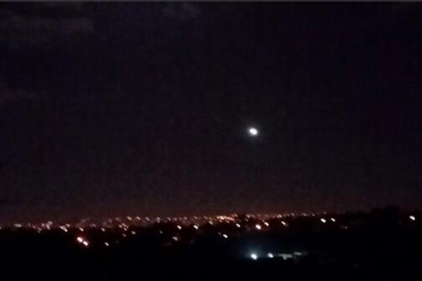 Странный свет над Оклендом