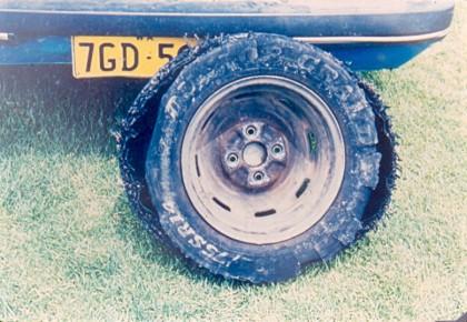 Лопнувшая шина, общий вид